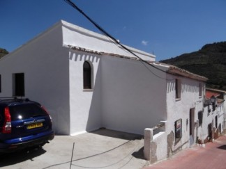Village House for sale in Albanchez
