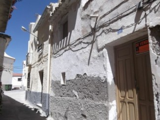Village House for sale in Somontin
