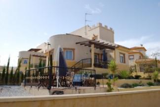 Villa for sale in Vera