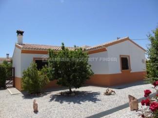Villa for sale in Chirivel