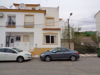 Village House for sale in Cantoria