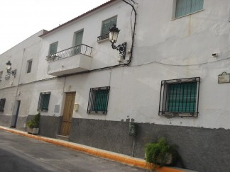 Town House for sale in Somontin