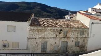 Town House for sale in Lijar