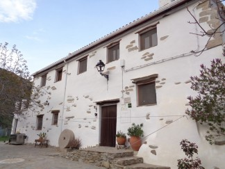 Country House for sale in Laroya