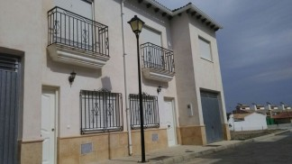 Village House for sale in Lucar