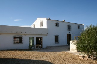 Country House for sale in Zurgena