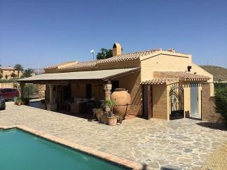 Villa for sale in Turre