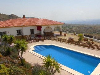 Villa for sale in Lucar