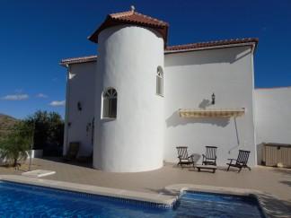 Villa for sale in Lijar