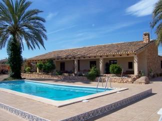 Country House for sale in Cuevas de Reyllo