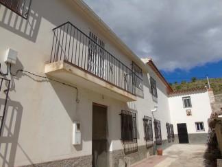 Casa de Pueblo en venta en Oria