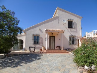 Country House for sale in Albanchez