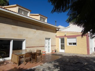 Village House for sale in Purchena