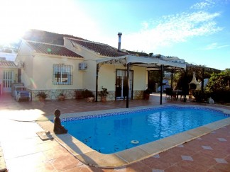 Villa for sale in Albanchez