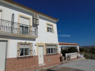 Village House for sale in Taberno
