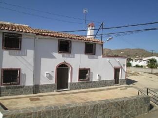 Villa for sale in Los Menas