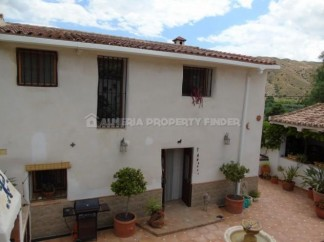 Country House for sale in Cantoria