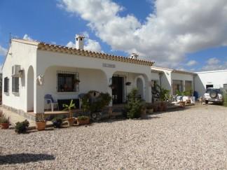Landhuis te koop in Velez Rubio