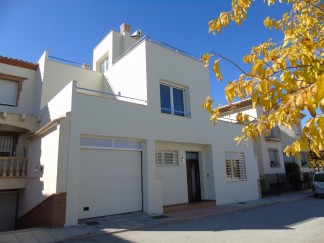 Town House for sale in Caniles