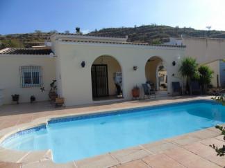 Villa for sale in Albanchez