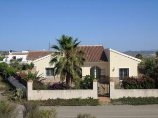 Villa zu verkaufen in Zurgena