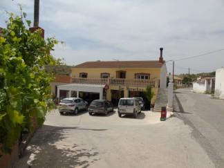 Commercial for sale in Los Cerricos