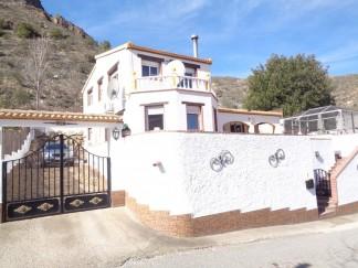 Villa for sale in Cobdar